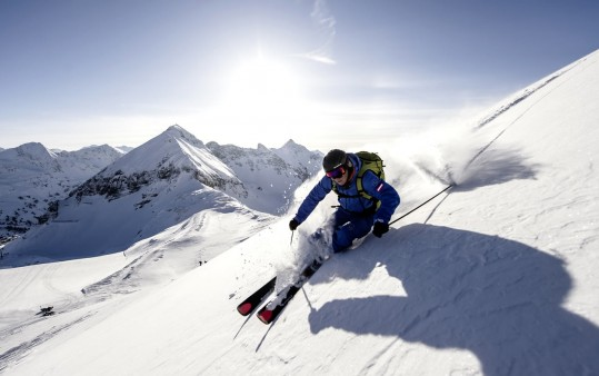 Freeriding on heavenly powder snow slopes in Obertauern