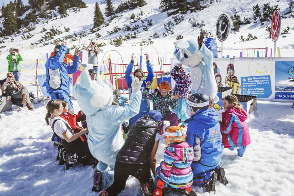 Tips & tricks to make skiing fun for your children